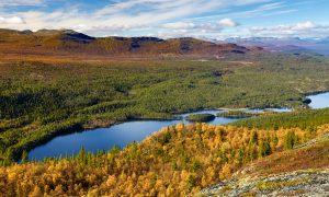 Høstlig utsikt mot Verket og Jotunheimen